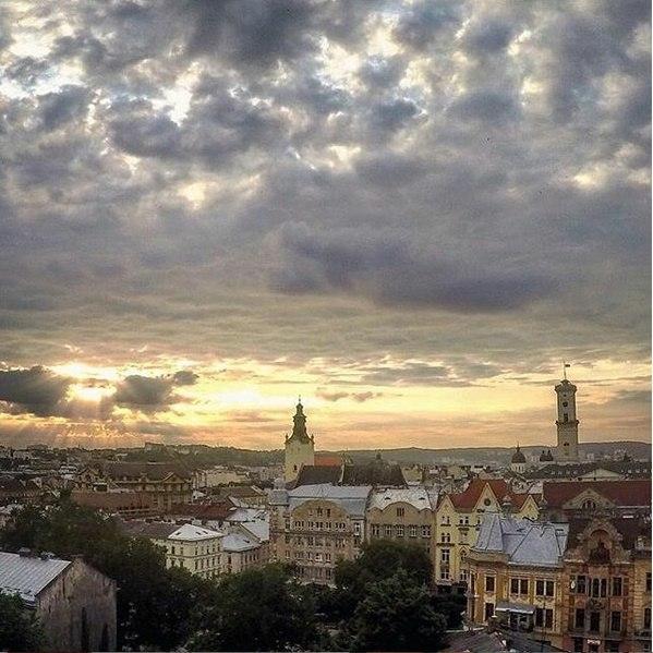 Мінлива хмарність у Львові