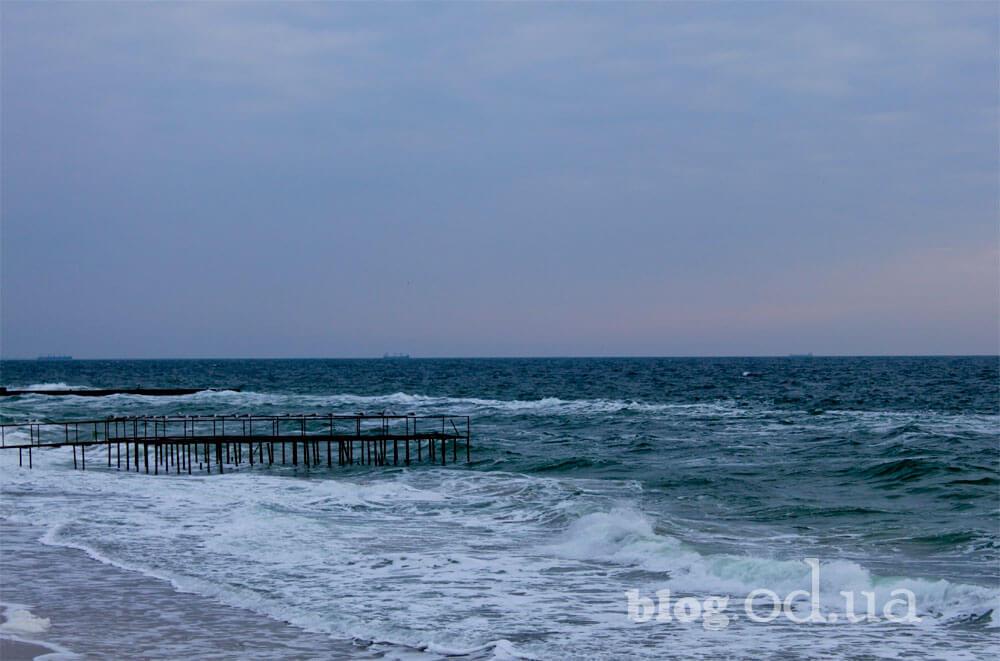 Море навесні
