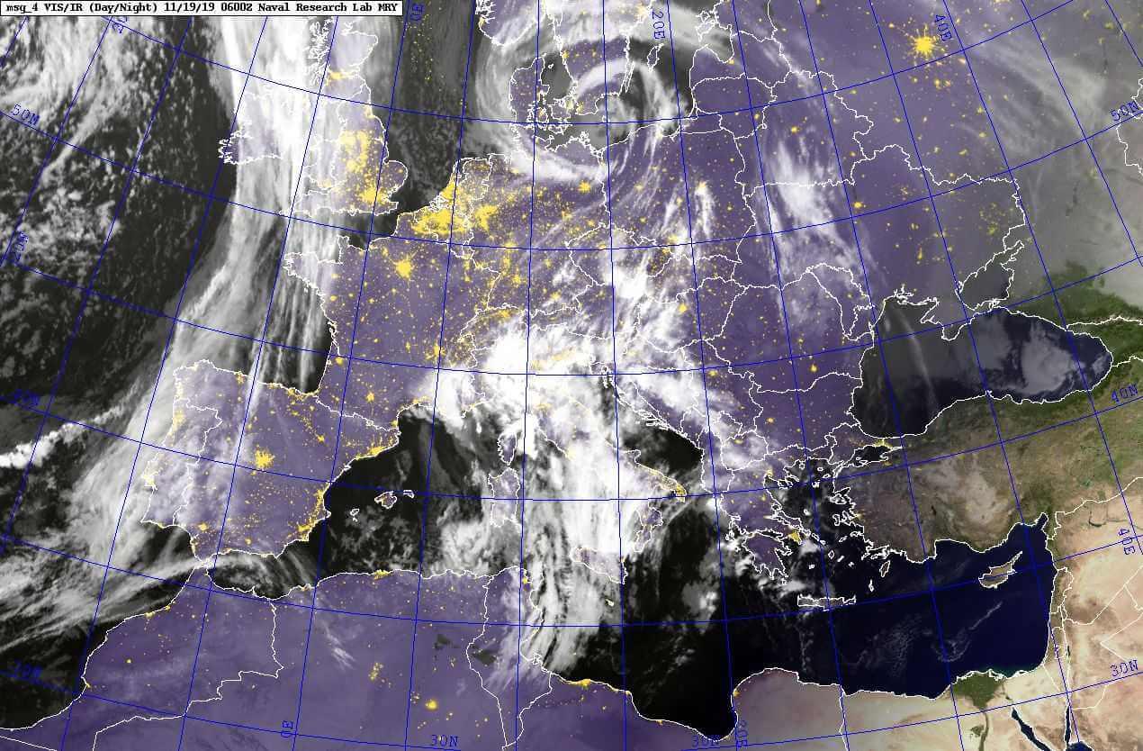 Спутниковый снимок облачности 19.11.2019